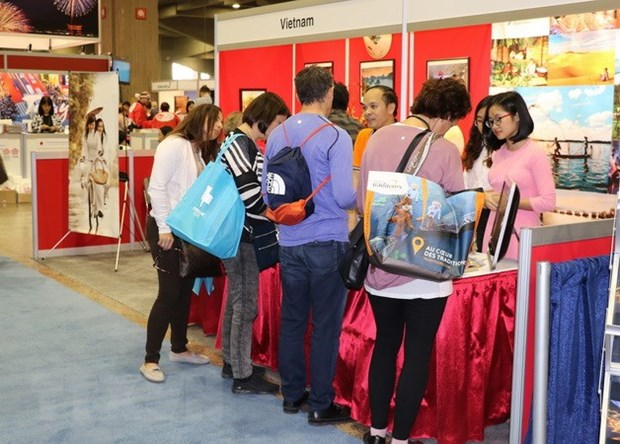 Vietnam leaves impression at tourism fair in Canada hinh anh 1