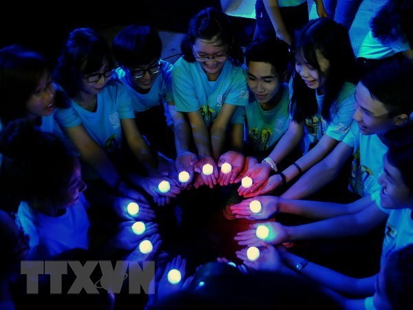 EVN Hanoi supports Earth Hour 2018 hinh anh 1