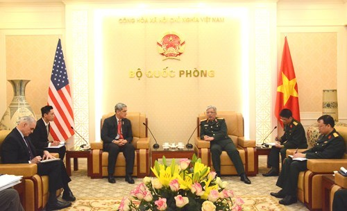 Vietnam, US cooperate to address post-war aftermath hinh anh 1