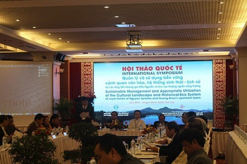 Symposium seeks ways to preserve Nguyen dynasty's royal tombs hinh anh 1