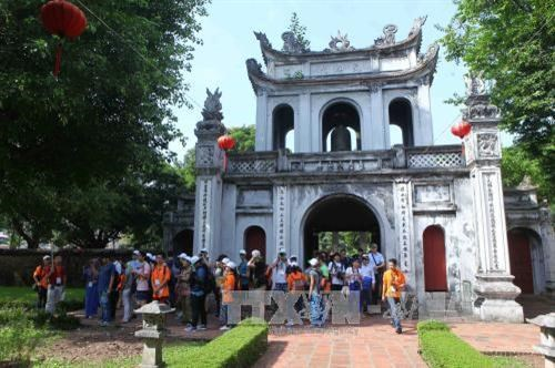 Culture tours designed to attract tourists to Hanoi hinh anh 1