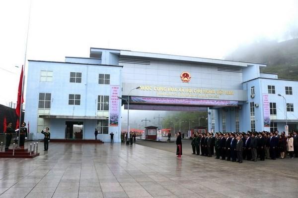 Vietnam, China open new border gate pair hinh anh 1