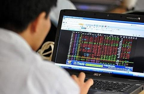 VN-Index rises further, not affected by global market hinh anh 1