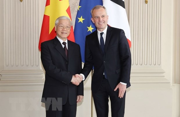 VN, France urged to make economic ties on par with political bonds hinh anh 1