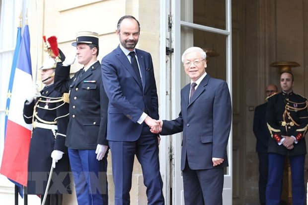 Vietnam's Party leader meets French Prime Minister hinh anh 1