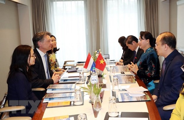 NA Chairwoman receives Rotterdam int'l port's Director hinh anh 1