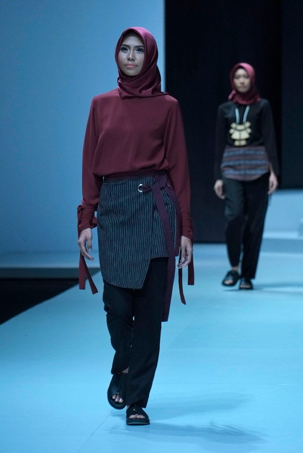 Fashion week highlights Indonesia's cultural identity hinh anh 1