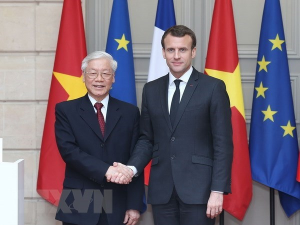 French press hails Vietnam Party chief's official visit hinh anh 1