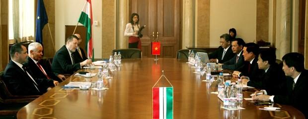 Vietnam, Hungary augment ties in judicial manpower training hinh anh 1