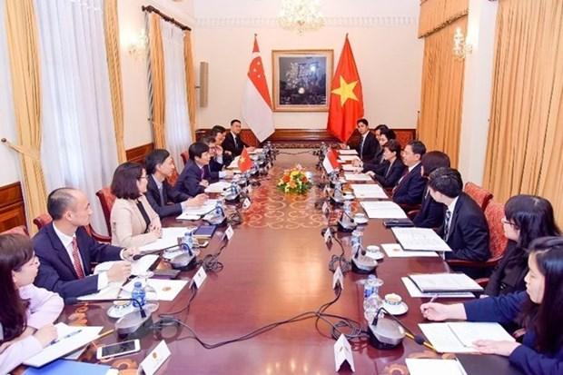 Vietnam, Singapore convene 11th political consultation hinh anh 1