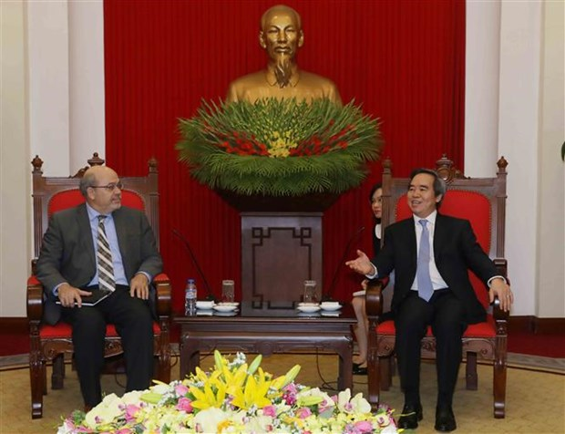 Chairman of Party's economic commission hosts IFM official hinh anh 1