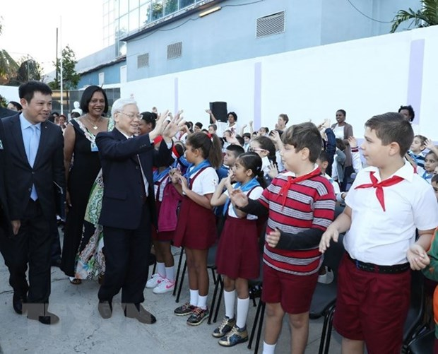 Party chief Nguyen Phu Trong visits Vo Thi Thang school in Cuba hinh anh 1