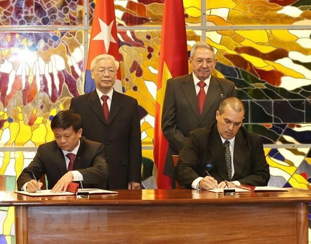 Vietnam News Agency steps up partnership with Prensa Latina, ACN hinh anh 1