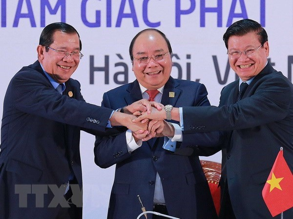 Cambodia, Laos, VN vow to further deepen comprehensive cooperation hinh anh 1