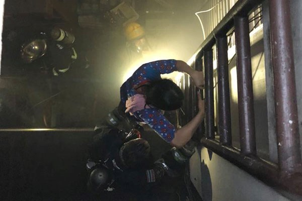 Three died in Bangkok apartment building fire hinh anh 1