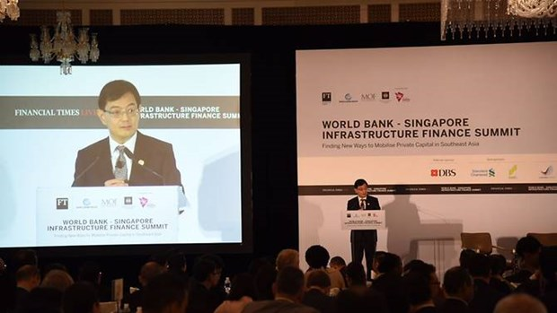 ASEAN urged to attract more private capital in infrastructure hinh anh 1