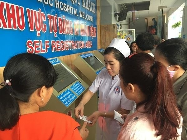 Health Ministry launches smart healthcare system hinh anh 1