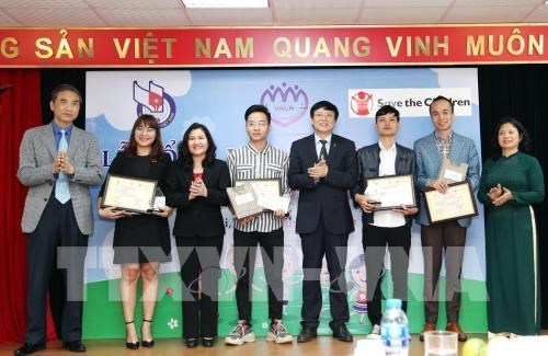 Winners of first national press award on children announced hinh anh 1