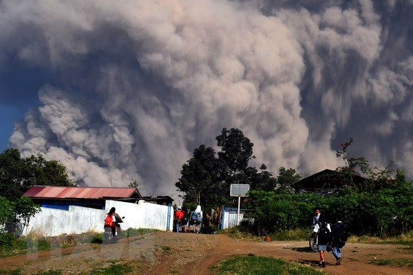 Indonesia: volcanic ash forces closure of Alas Leuser airport hinh anh 1