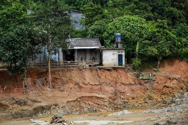 Tuyen Quang to relocate 95 households in landslide-prone areas hinh anh 1
