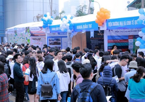 NEU Career Expo 2018 to offer job opportunities for students hinh anh 1