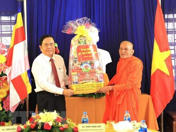 Greetings to Khmer people in Can Tho on Chol Chnam Thmay hinh anh 1