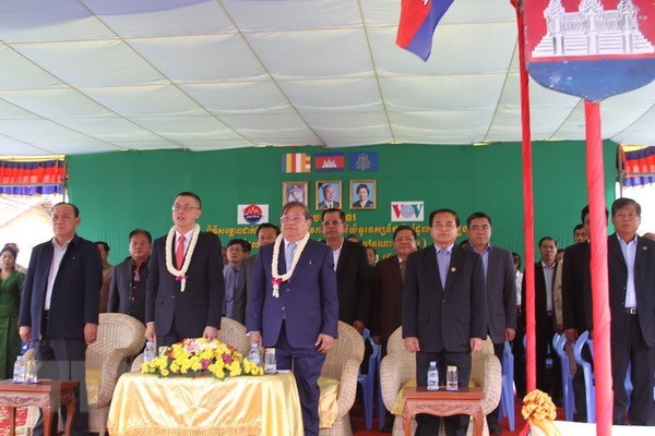 Cambodia inaugurates TV broadcasting station financed by Vietnam hinh anh 1