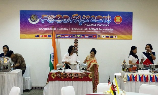 Vietnam joins ASEAN food festival to help poor children hinh anh 2