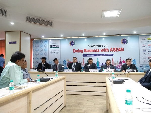 Vietnam attends ASEAN-India business cooperation conference hinh anh 1