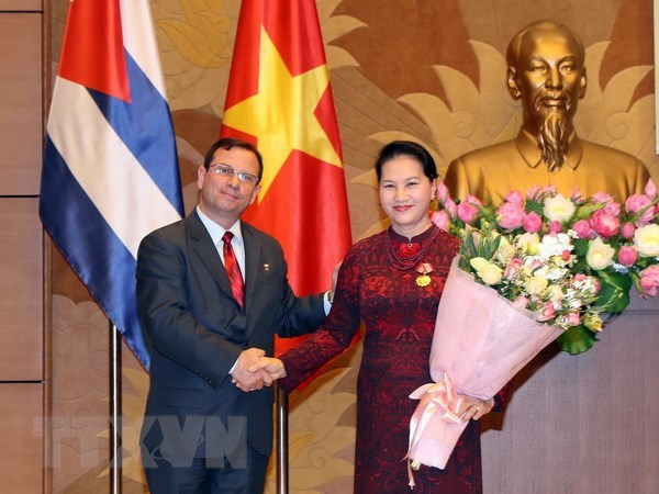 NA Chairwoman honoured with Cuba's Solidarity Order hinh anh 1