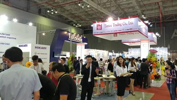 SaigonTex 2018 introduces modern textile-garment machinery hinh anh 1