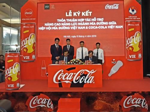 Vietnam's sugarcane industry licks lips over Coca Cola-VSSA deal hinh anh 1