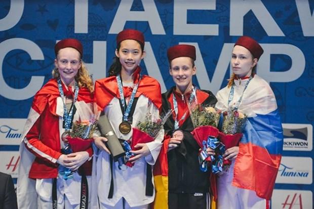 Vietnamese bags gold at world junior taekwondo champs hinh anh 1