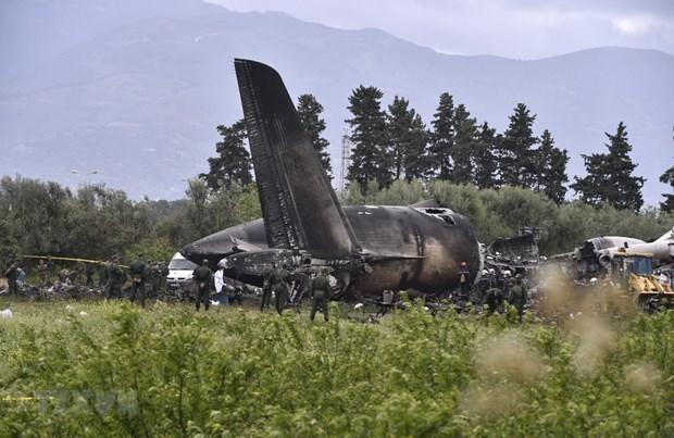 Condolences sent to Algeria over military plane crash hinh anh 1