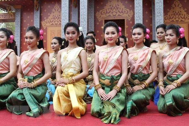 Cambodia, Thailand celebrate traditional New Year festival hinh anh 1