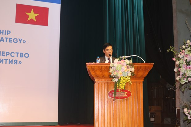 Vietnam, Russia boost strategic economic partnership hinh anh 1