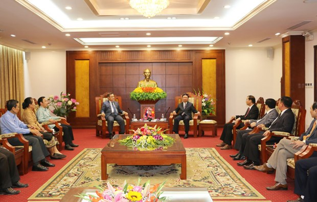 President of Lao Front for National Construction visits Hoa Binh hinh anh 1