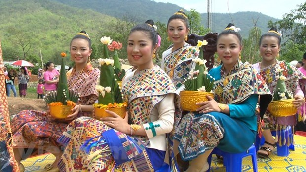 Laos celebrates traditional New Year festival hinh anh 1