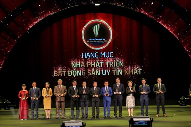 54 excellent estate businesses, projects honoured hinh anh 1