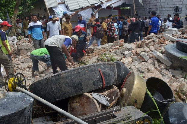 Indonesia: At least seven killed in building collapse hinh anh 1