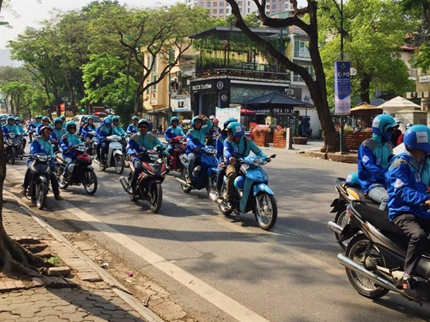 Drivers struggle after Uber calls time in Vietnam hinh anh 1
