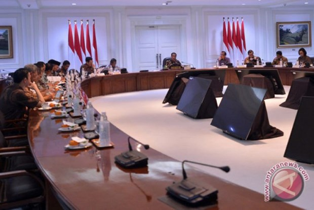 Indonesia reviews national strategic projects hinh anh 1