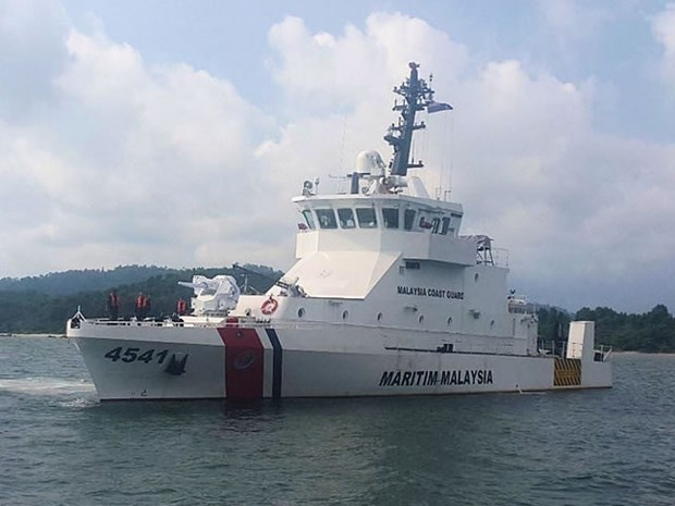 Malaysia calls for cooperation among coast guards in East Sea hinh anh 1