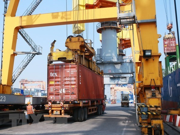 IMF projects Vietnam's GDP to grow by 6.6 percent in 2018 hinh anh 1