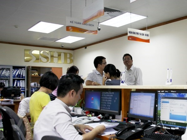VN-Index dragged down by large-cap stocks hinh anh 1