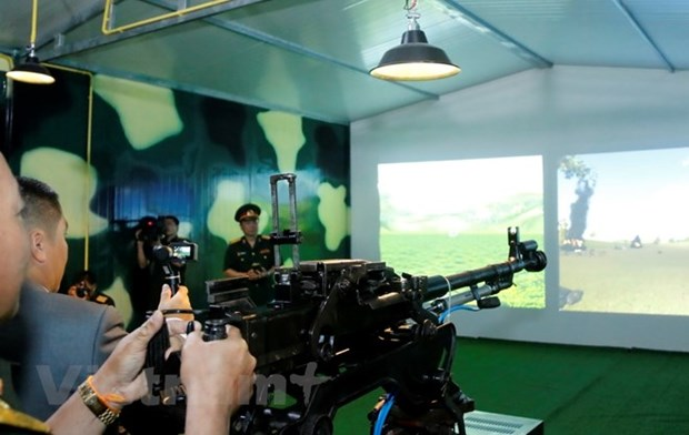 Vietnam hands over simulation training centre to Laos hinh anh 1