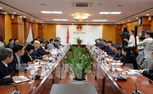 Vietnam, China look for stronger trade ties hinh anh 1