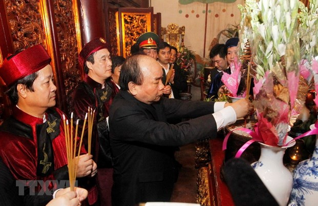 Incense offering ceremony held in honour of Hung Kings hinh anh 1