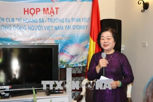Former Vice President meets Vietnamese expats in Australia hinh anh 1