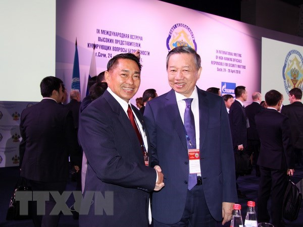 Responsible coordination needed to solve terrorism: Vietnamese minister hinh anh 1